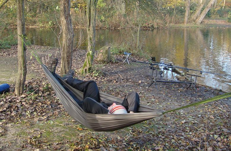 Green Compact Hammock with Pocket